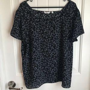 XXL Reitmans black & blue ditsy floral blouse